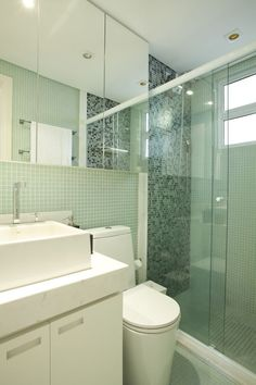 Armario espelhado banheiro