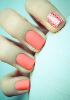 Summer nails with silver stripes