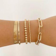Jewelry Trends, Jewelry Accessories, Jewelry Design, Jewellery Supplies, Designer Jewelry, Jewellery Box, Jewelry Ideas, Fashion Accessories, Gold Outfit