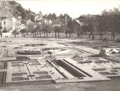 Inició de las obras de los jardines de Pedro Luis Alonso en los años 40, junto al Ayuntamiento, donde se celebró la Exposición industrial de 1924 en Málaga, Spain.