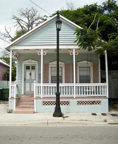 Shot-gun house on Truman Avenue was originally built to house Cuban cigar-makers 100 years ago. Now it stands as art you can live in.