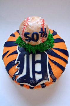 Detroit Tigers Cake - Faith Flour Cream and Sugar - Detroit Tigers Birthday Cake - Detroit Tigers Cake Ideas - Detroit Tigers Baseball Cake