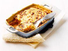 Mehevä kesäkurpitsalasagne | Valio Vegetarian Recipes, Cooking Recipes, Macaroni And Cheese, Recipies, Good Food, Food And Drink, Pasta, Dishes, Baking
