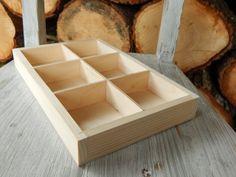 Krabička+organizér+Vhodná+na+jakékoliv+drobnosti,+připravená+na+dekupáž,+hladká+,+nelakovaná,+rozměry+27,5+cmx+17,5+cm+výška3,5+cm+síla+materiálu+je+1+cm+,+prihradky+sila+prepazky+3+mm+,+7,+5+x+8+cm+chlivecek