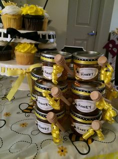 Honey Favors, What Will it Bee, Gender Reveal, Baby Shower, Bumble Bee Party… Baby Shower Favors, Baby Shower Parties, Baby Shower Themes, Baby Boy Shower, Baby Shower Cakes, Shower Ideas, Bee Gender Reveal, Baby Gender Reveal Party, Gender Party