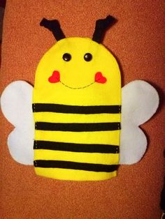 Titella abella / Bee puppet