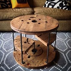 pallet stylish table Wooden Spool Tables, Cable Spool Tables, Wood Spool, Wood Table, Wooden Cable Reel, Wooden Cable Spools, Spool Crafts, Pallet Crafts, Driftwood Furniture