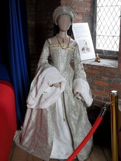 Tudor dress based on the one Catherine Howard may have worn. On display at Gainsborough Old Hall, Lincolnshire. Henry VIII visited Gainsborough twice; once in 1509 and again in 1541 with the doomed Queen Catherine Howard. The Queen was accused of indiscretions both at Gainsborough and Lincoln and was executed.