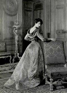 1957 Jean Patou