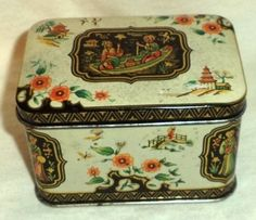 Collectible-Horner-Toffee-Tin-Box-Chinese-Oriental-Scenes-Boat-Men-Women-Nice