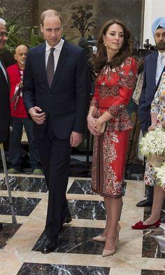Kate arriva in India, ma l'abito sorprende tutti - VanityFair.it