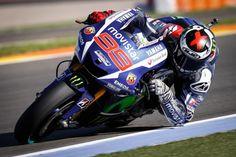 Moto GP : Lorenzo titré, Rossi échoue à deux doigts du sacre
