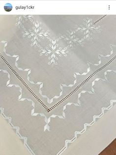 Simple Embroidery, Hand Embroidery, Bargello, Chicken Scratch Embroidery, Crochet, Fabrics, Instagram, Linen Tablecloth, Tablecloths