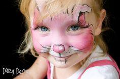 Daizy Design face painting. Ideas para hacer pintacaras. Conejo