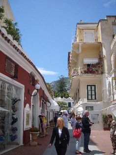 Capri a Shopping mecca. If you have LOTS of money!