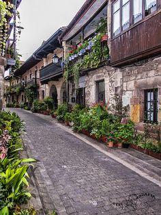 #Cartes, Cantabria. Una costumbre muy destacada en este pueblo es la subida a San Cipriano (16 de Septiembre) hasta la ermita de San Cipriano