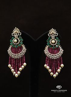 Pink Diamond Jewelry - rare and expensive, how much do they cost? Indian Jewelry Earrings, Jewelry Design Earrings, Gold Earrings Designs, Indian Wedding Jewelry, Gold Jewellery Design, Bead Jewellery, Beaded Jewelry, Diamond Earrings Indian, Handmade Jewelry