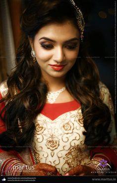 Nazriya Nazim Photos - Nazriya Nazim Wedding Stills Nazriya Nazim Wedding, Wedding Stills, Islamic Girl, Wedding Girl, Malayalam Actress, Indian Celebrities, Bollywood Stars, Indian Beauty, Amazing Photography