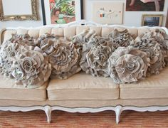 You never have to throw out old clothes ever again with so many amazing projects that upcycle old clothes. From rag rugs to fashion accessories, upcycling old clothing has become a fashion trend. http://www.home-dzine.co.za/crafts/craft-faverecyclefabric.htm#