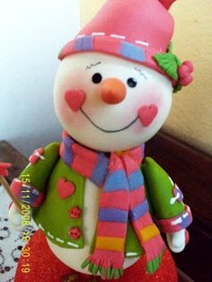 Doce Arte: Outubro 2010 Polymer Clay Christmas, Polymer Clay Crafts, Diy Clay, Christmas Snowman, Simple Christmas, Christmas Crafts, Christmas Decorations, Xmas Pictures, Clay Baby