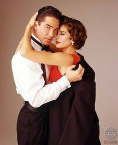 dean cain and teri hatcher | Superman - DEAN CAIN ET TERI HATCHER : Album photo - aufeminin.com