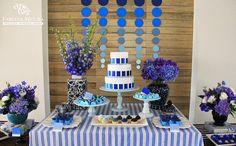Fabiana+Moura+Projetos+Personalizados+-+festa+de+30+anos+decoração+tema+Pantone+azul+-+mesa+de+doces.jpg (907×564)