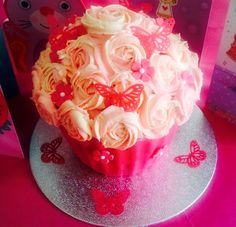 A giant b'day cupcake!