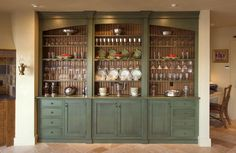 What Are The Advantages Of Custom Build Solid Wood Cabinetry