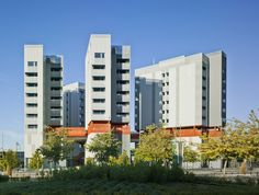 118+Subsidized+dwellings,+offices,+retail+spaces+and+garage+/+Amann+Canovas+Maruri