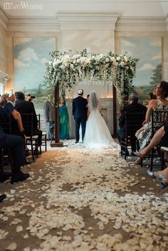 Enchanted Garden Wedding Filled with Romance - Wedding Wedding Ceremony Ideas, Wedding Chuppah, Wedding Aisle Decorations, Ceremony Arch, Winter Wedding Arch, Church Decorations, Wedding Arrangements, Summer Wedding, Wedding Rings