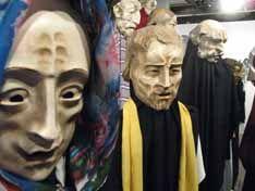 """Ferramenta indispensável dos atores e símbolo universal do teatro, as peças são tema de exposição no Caixa Cultural até o dia 23 de novembro. A mostra """"A máscara teatral na arte dos Sartoni - da Commedia dell´Arte ao mascaramento urbano"""", apresenta um acervo de cerca de 100 peças do Museo Internazionale della Maschera Amleto. Feitas...<br /><a class=""""more-link"""" href=""""https://catracalivre.com.br/geral/agenda/barato/mascaras-teatrais-ganham-mostra-em-sao-paulo/"""">Continue lendo »</a>"""