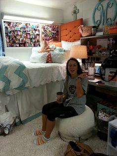 This room has a lot of great ideas!  I really love the long bed skirt