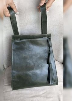 Leather Bag Design, Small Leather Bag, Leather Crossbody Bag, Leather Handbags, Leather Backpack, Handmade Leather Wallet, Handmade Bags, Diy Bag Designs, Diy Bags Patterns