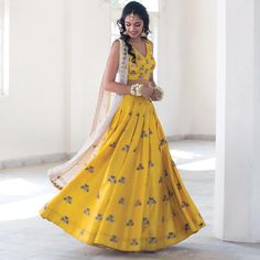Indian Evening Gown, Evening Gowns, Indian Wedding Outfits, Indian Outfits, Indian Lehenga, Bridal Lehenga, Formal Wedding, Indian Wear, Traditional Outfits