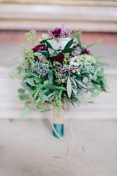 A romantic stunning  purple bridalbouquet, marsala, emerald, olive, leather Marsala, Planer, Romantic, Bridal Bouquets, Purple, Emerald, Beautiful, Leather, Creative