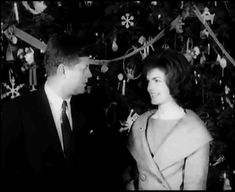 Jack and jackie and The White House Christmas tree Caroline Kennedy, Jacqueline Kennedy Onassis, Jackie Kennedy, White House Christmas Tree, Presidents Wives, Long Pictures, John Junior, John Fitzgerald, Looking For Love