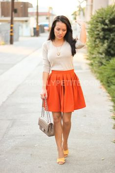 stolen from reallypetite fashion blog. In love with this skirt/sweater combo!