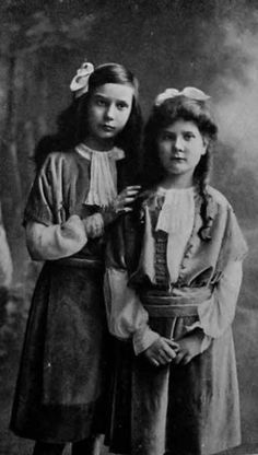 The two daughters of the Grand Duke Pavel Alexandrovich Romanov of Russia from his second marriage ~ the Princesses Irina and Natalie Pavlovna Paley. 'AL""