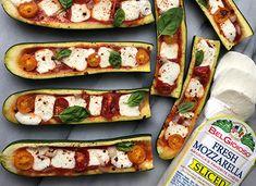 Zucchini Pizza Boats Keto Veggie Recipes, Zucchini Dinner Recipes, Zuchinni Recipes, Vegetable Recipes, Vegetarian Recipes, Cooking Recipes, Healthy Recipes, Veggie Main Dishes, Vegetable Dishes