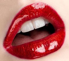 #photoshopfix @photoshop Best Makeup Brushes, Makeup Brush Set, Best Makeup Products, Beauty Products, Nice Lips, Perfect Lips, Red Lipstick Tutorial, Ruby Red Slippers, Dark Red Lips