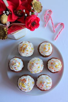 La Tavola Allegra: Cupcakes al Cacao con Frosting al Mascarpone