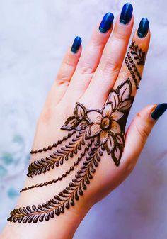 New and unique mehndi designs for the new age brides Mehndi Designs Finger, Henna Tattoo Designs Simple, Back Hand Mehndi Designs, Full Hand Mehndi Designs, Mehndi Designs For Beginners, Mehndi Designs For Girls, Mehndi Design Photos, Mehndi Designs For Fingers, Dulhan Mehndi Designs