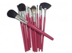 Hot Pink Makeup Brushes Help Set Me Apart - http://world wide web.essencell.internet/makeup/makeup-brushes/pink-professional-makeup-brushes/
