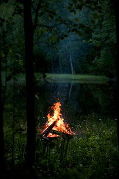 lori-rocks: Midsummer Bonfire…by Pekka Vaino Beltane, Tenda Camping, Camping Photography, Landscape Photography, Nature Photography, Excursion, Iron Age, Camping Life, Camping Hacks
