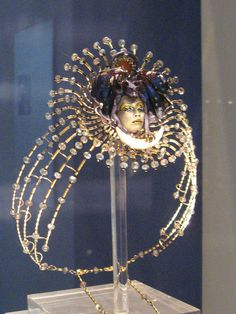The Wallace Collection Kevin Coates Exhibition Queen of the Night crown