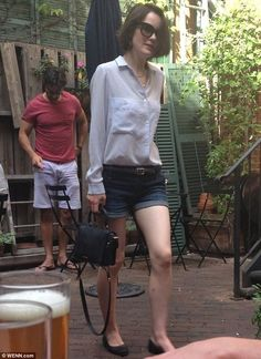 Going casual: Michelle Dockery swapped her usual pretty dresses for a casual pair of denim shorts as she grabbed lunch with boyfriend John Dineen in New York on Saturday Michelle Dockery, Downton Abbey, Celebrity Outfits, Celebrity Style, Dramatic Classic, Lady Mary, Fashion Vocabulary, Fashion Updates, Work Wear