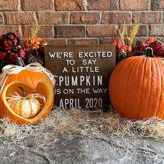 Creepy Halloween Decorations, Halloween Party Decor, Halloween Crafts, Halloween Costumes, Thanksgiving Pregnancy Announcement, Fall Pregnancy Announcement, Baby Announcements, Halloween Pregnancy Reveal, Pumpkin Baby Announcement
