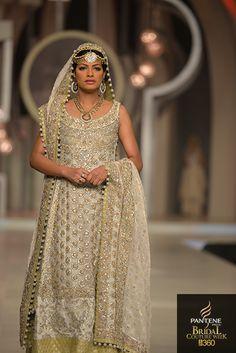 By Zainab Chottani Pakistan Fashion Week, Formal Wear, Formal Dresses, Bridal Outfits, Beautiful Gowns, Dress Me Up, Indian Dresses, Party Wear, Maya