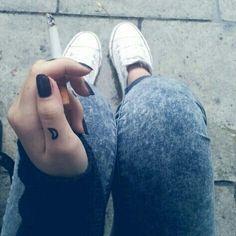 Little cute sweet pequeños tattoos moon girls cigarret black