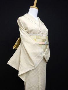 ◆ガールズ◆良品!!アイボリー*一つ紋色無地 正絹袷 裄64丈159 - アンティーク着物や現代着物なら雅星本店